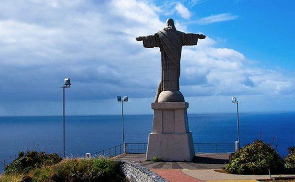 Madeira southeast tour with a view over cristo rei garajau